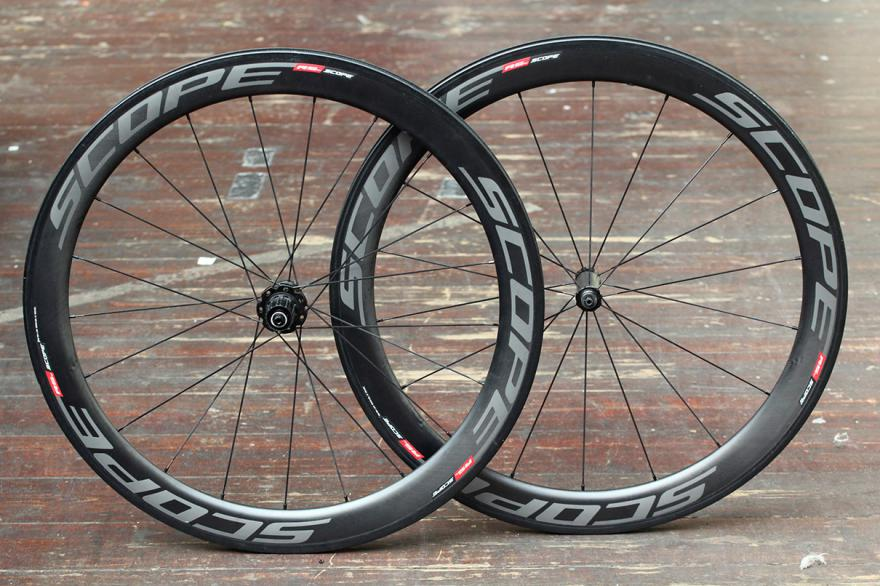 Scope%20R5c%20carbon%20fibre%20clincher%20wheels[1]